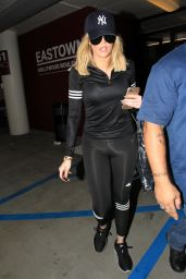 Khloe Kardashian Night Out - Soul Cycle in Los Angeles, 11/29/2015