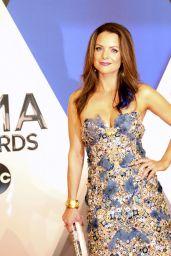 Kimberly Williams-Paisley – 2015 CMA Awards in Nashville