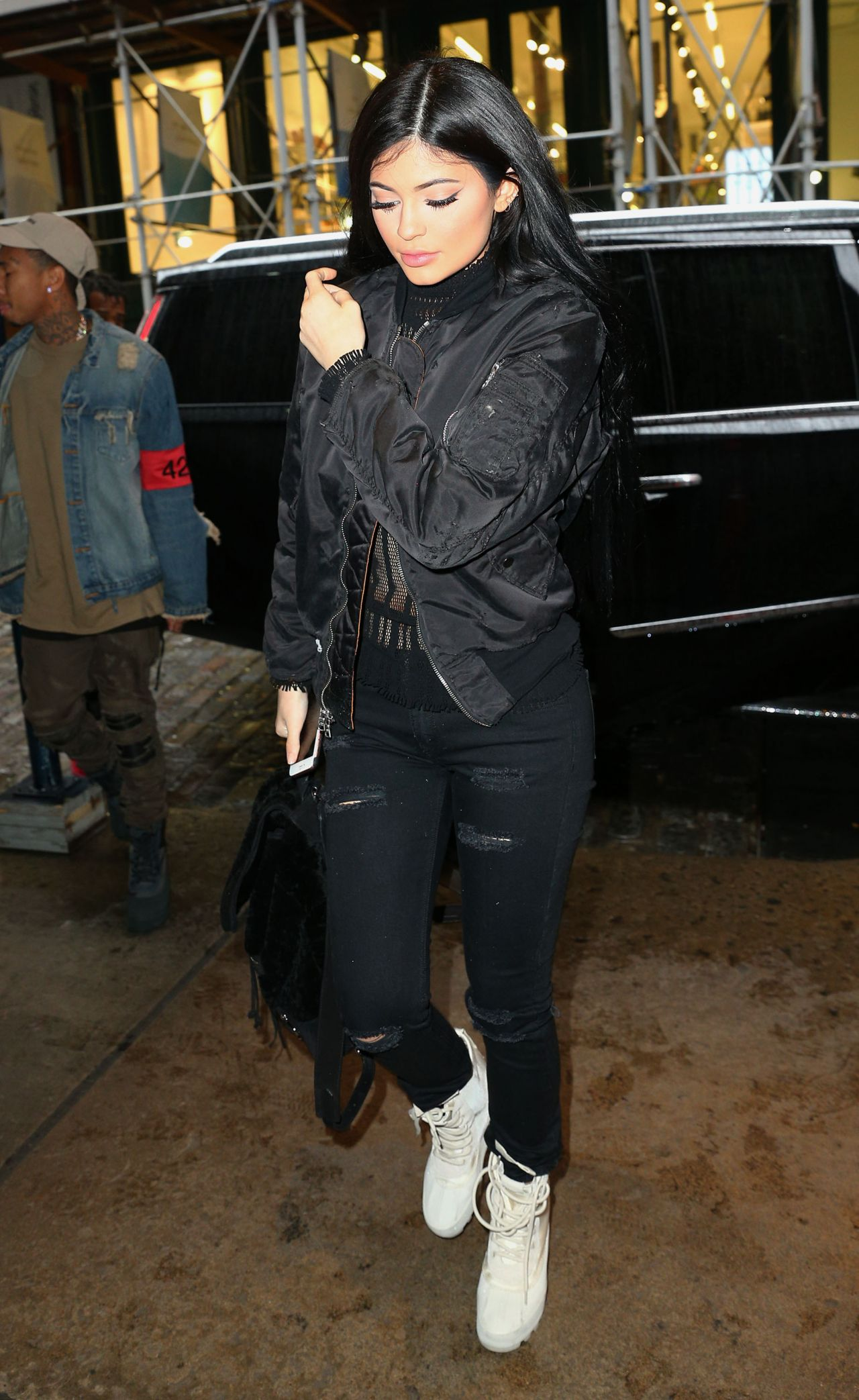 kylie jenner in all black ensemble