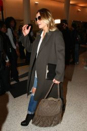 LeAnn Rimes Airport Style - LAX in Los Angeles, November 2015