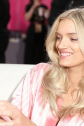 Lily Donaldson – 2015 Victoria's Secret Fashion Show in New York City, Dressing Room