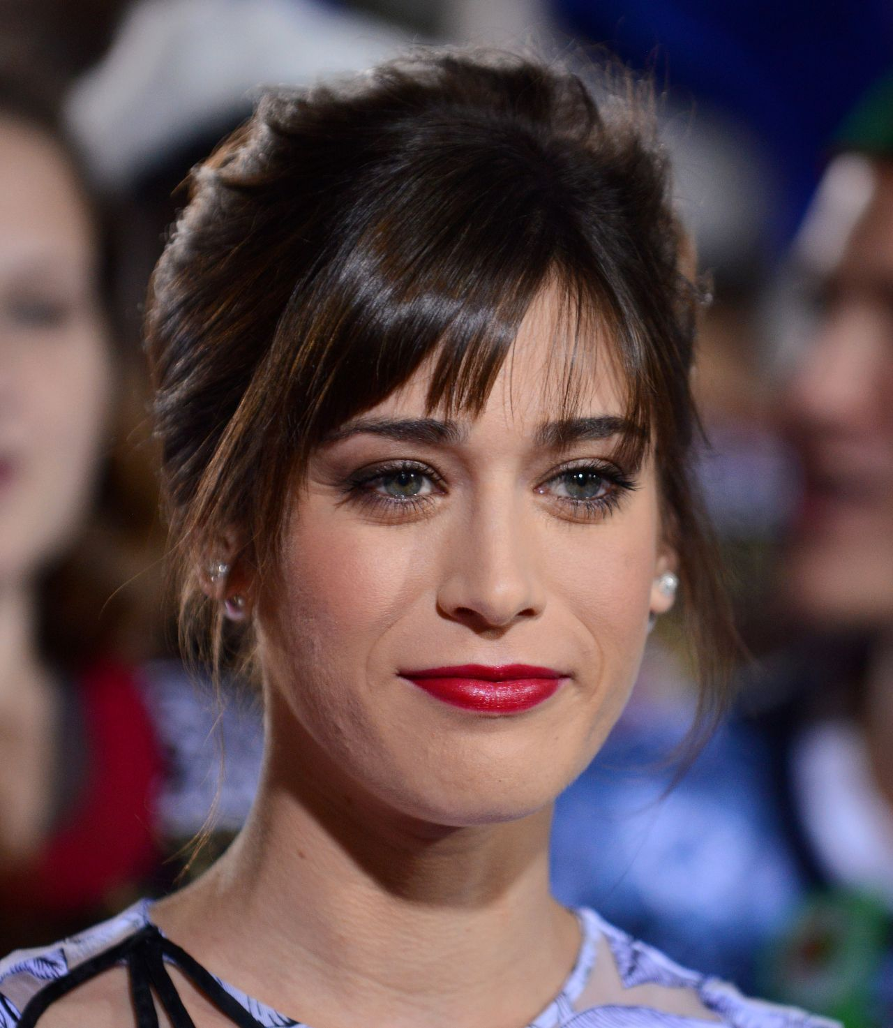 acclaimed actress lizzy caplan - HD 1280×1473
