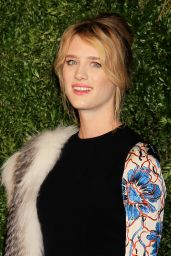 Mackenzie Davis – 2015 CFDA/Vogue Fashion Fund Awards in New York City