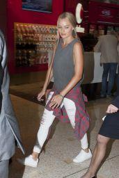 Margot Robbie - Sydney Airport, Australia, November 2015