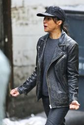 Michelle Rodriguez - Filmed a Scene Deep in the Alleyways of Chinatown in Vancouver 11/16/2015