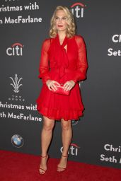 Molly Sims – The Grove Christmas With Seth MacFarlane in Los Angeles