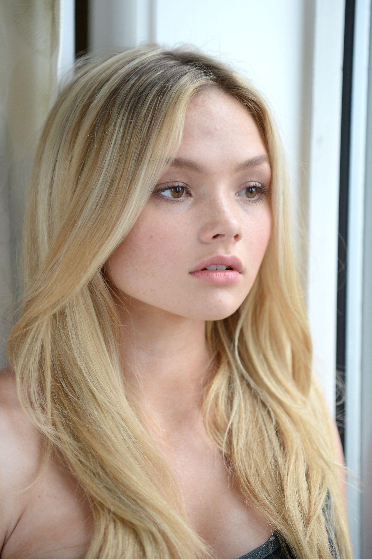 Natalie Alyn Lind Photoshoot In New York City October 2015