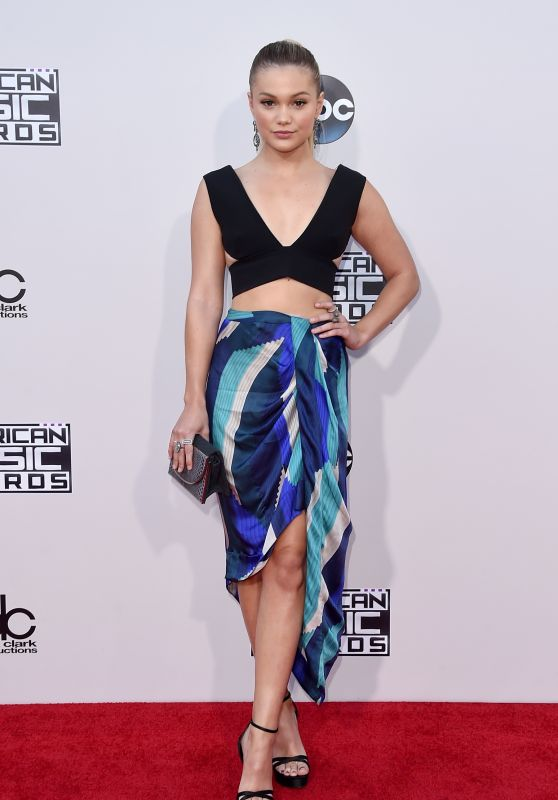 Olivia Holt – 2015 American Music Awards in Los Angeles