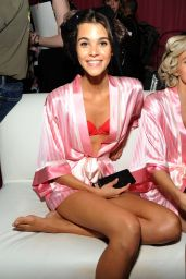 Pauline Hoarau – 2015 Victoria's Secret Fashion Show in New York City, Dressing Room