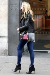 Peyton List Casual Style - Out in London, November 2015