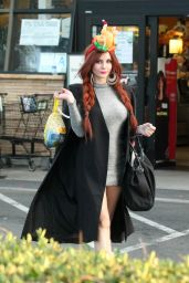 Phoebe Price - Thanksgiving Turkey Shopping in Los Angeles, November 2015