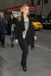 Piper Perabo - Leaving a TV Station in NYC, November 2015