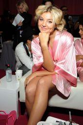 Rachel Hilbert – 2015 Victoria's Secret Fashion Show in New York City, Dressing Room