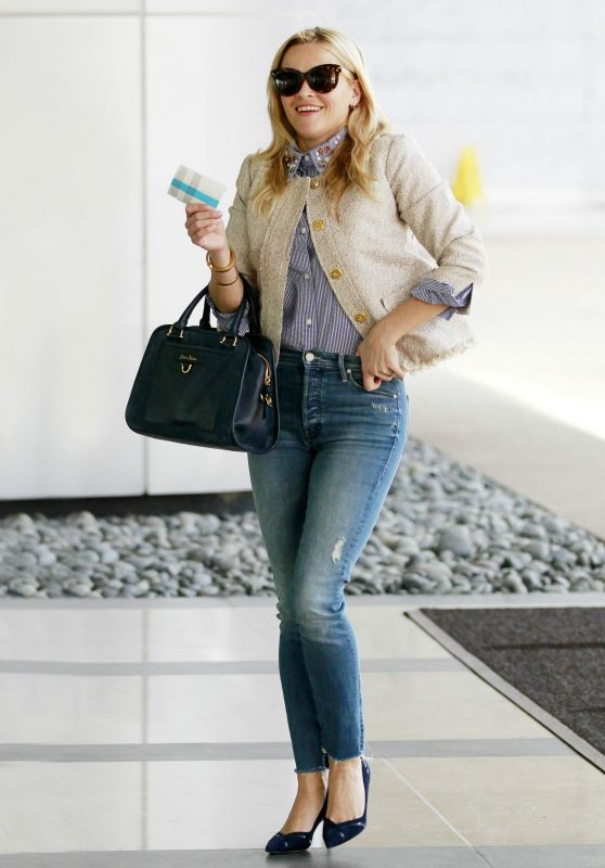 Reese Witherspoon - Out in Century City, November 2015