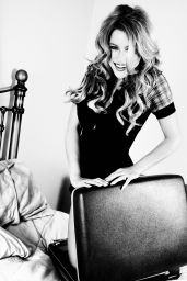 Renee Olstead Photoshoot - October 2015