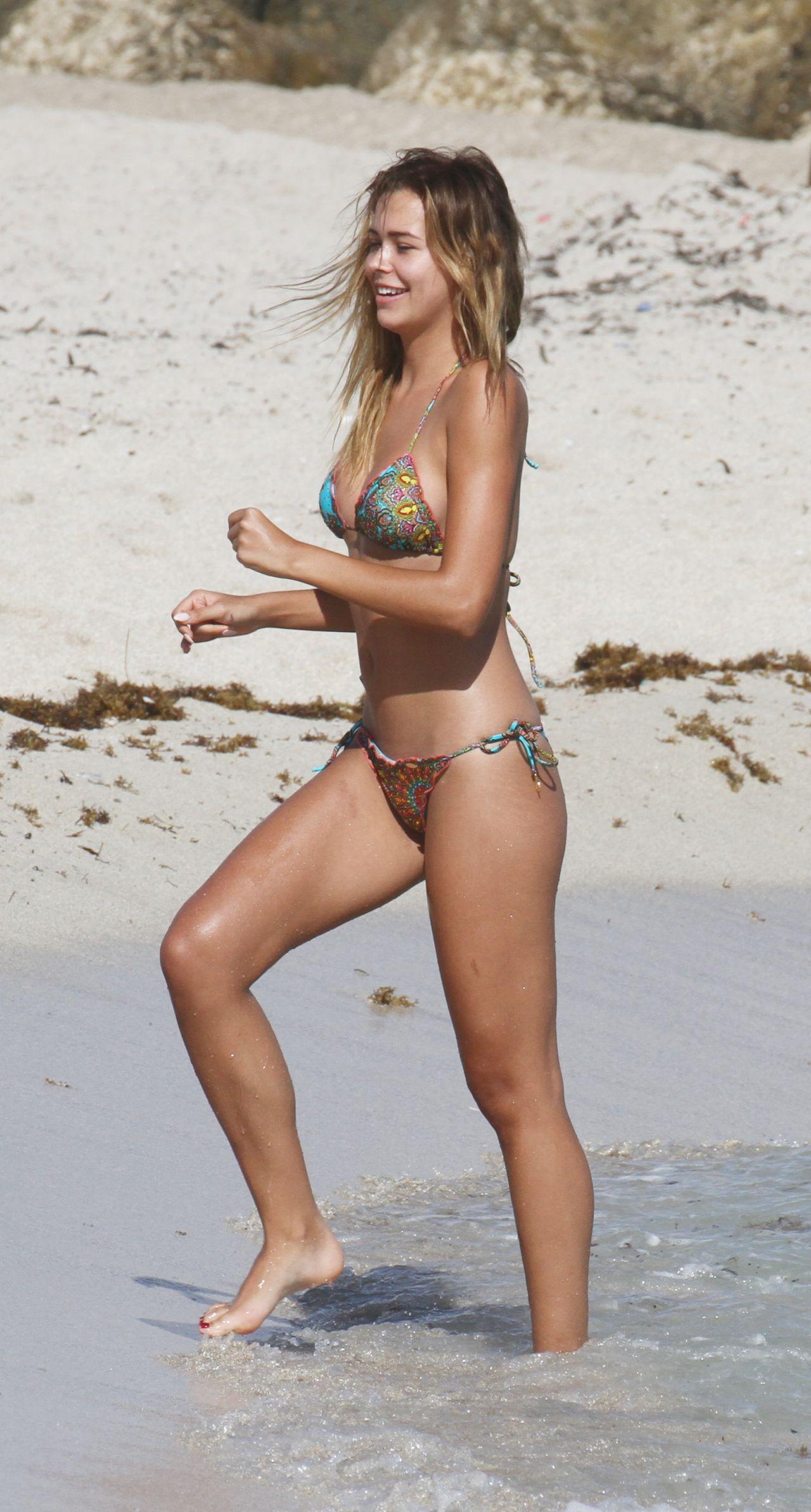 Sandra Kubicka Bikini Pics - Miami Beach, November 2015-3204