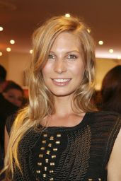 Sarah Brandner – Goldene Bild Der Frau Award 2015 in Hamburg