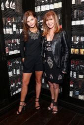 Stefanie Scott – Nicole Miller and Flaunt Magazine Celebrate The Dial-Up Issue and Holiday Collection in LA