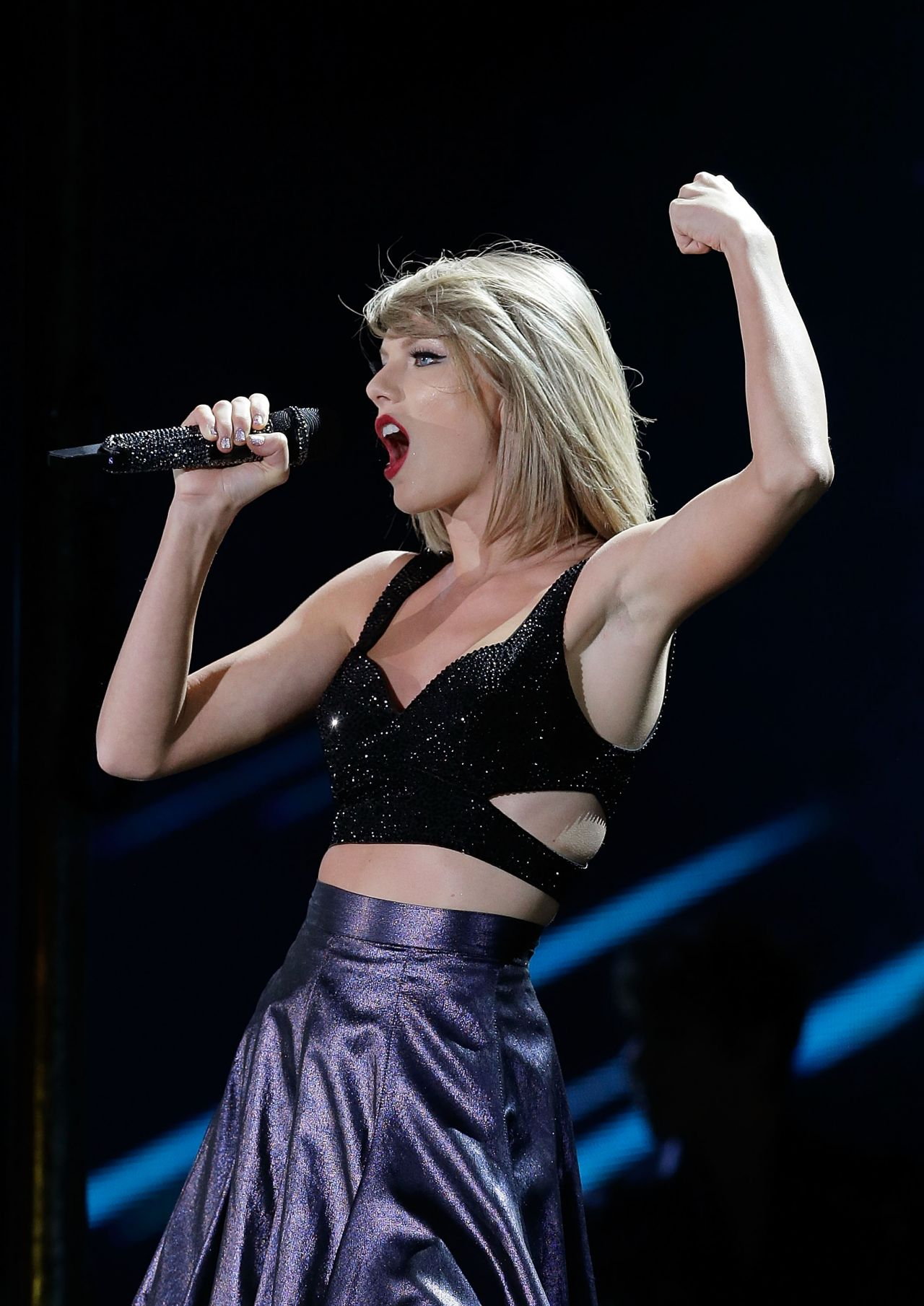 Taylor Swift Performs At 1989 World Tour In Sydney 11 28 2015 Celebmafia