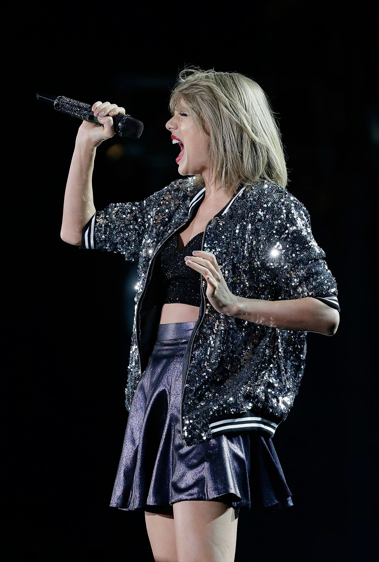 Taylor Swift Performs At 1989 World Tour In Sydney 11 28