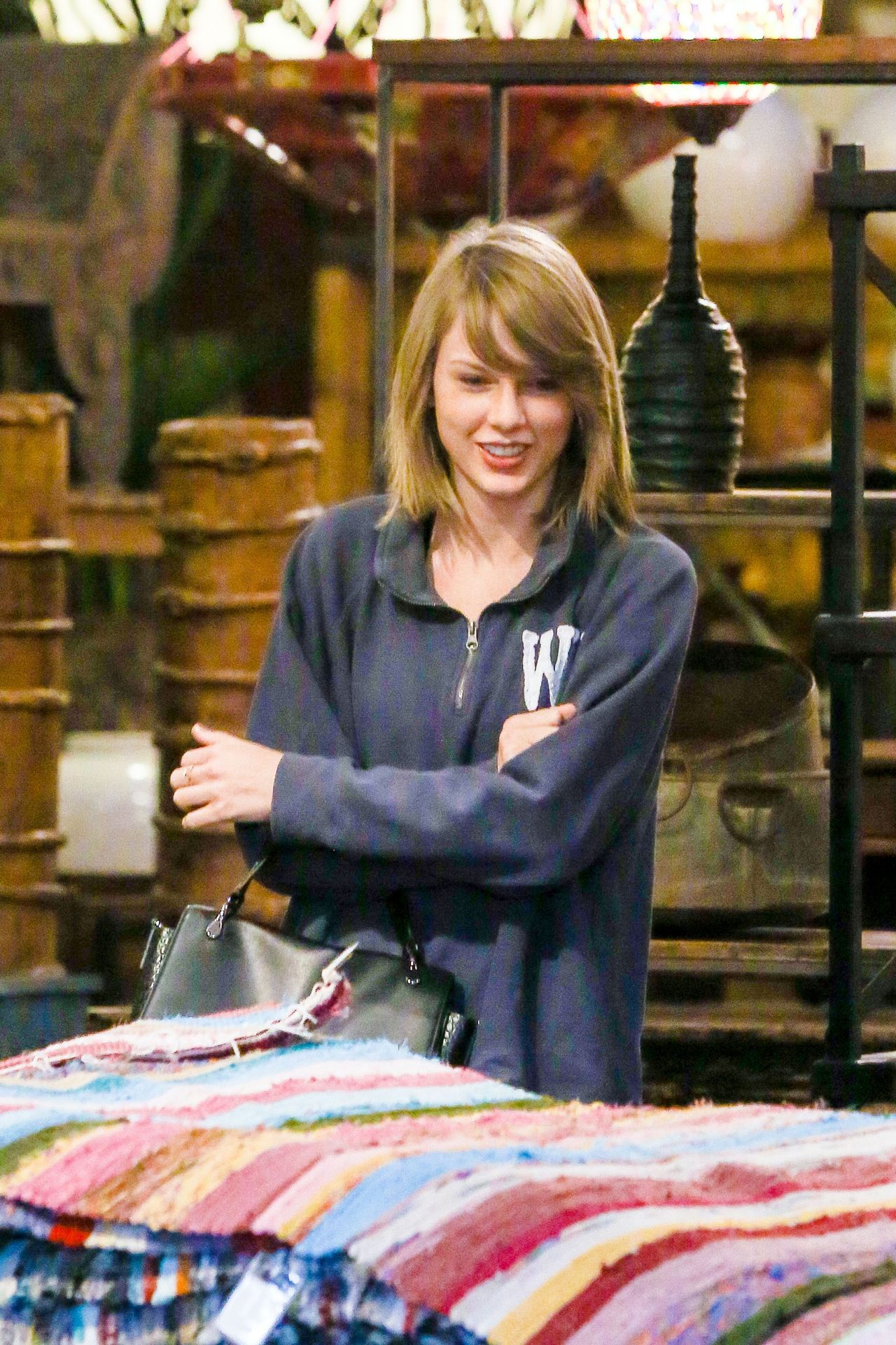 Taylor Swift Shopping In West Hollywood November 2015