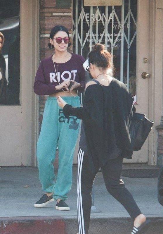 Vanessa & Stella Hudgens - Leaving Aroma Coffee & Tea in Los Angeles, November 2015