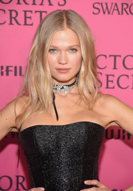 Vita Sidorkina – Victoria's Secret Fashion Show 2015 After Party in NYC