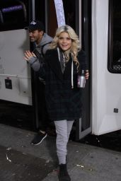 Witney Carson - Visit Good Morning America in New York, 11/24/2015