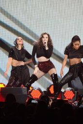 Hailee Steinfeld Performs at 103.5 KISS FM