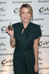 Ali Fedotowsky - Hosts Curve Fragrances