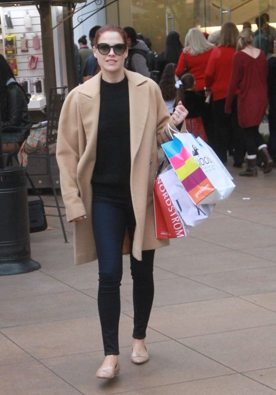 Ali Larter in Tight Jeans - Shopping at The Grove in West Hollywood, December 2015