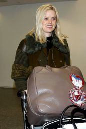 Alice Eve - Arriving at the Los Angeles International Airport 12/15/2015