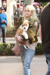 Alice Eve - Shoping at The Grove in Los Angeles 12/24/2015