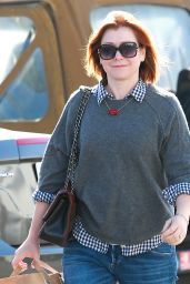 Alyson Hannigan - Shopping at Ralphs in Brentwood, December 2015