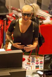 Amber Rose - Christmas Shopping at the Topanga Mall in Los Angeles, December 2015