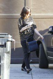 Anne Hathaway - Leaving a Friend