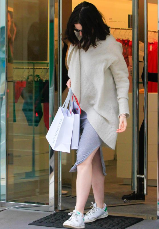 Anne Hathaway - Leaving a Lingerie Store in Beverly Hills, December 2015