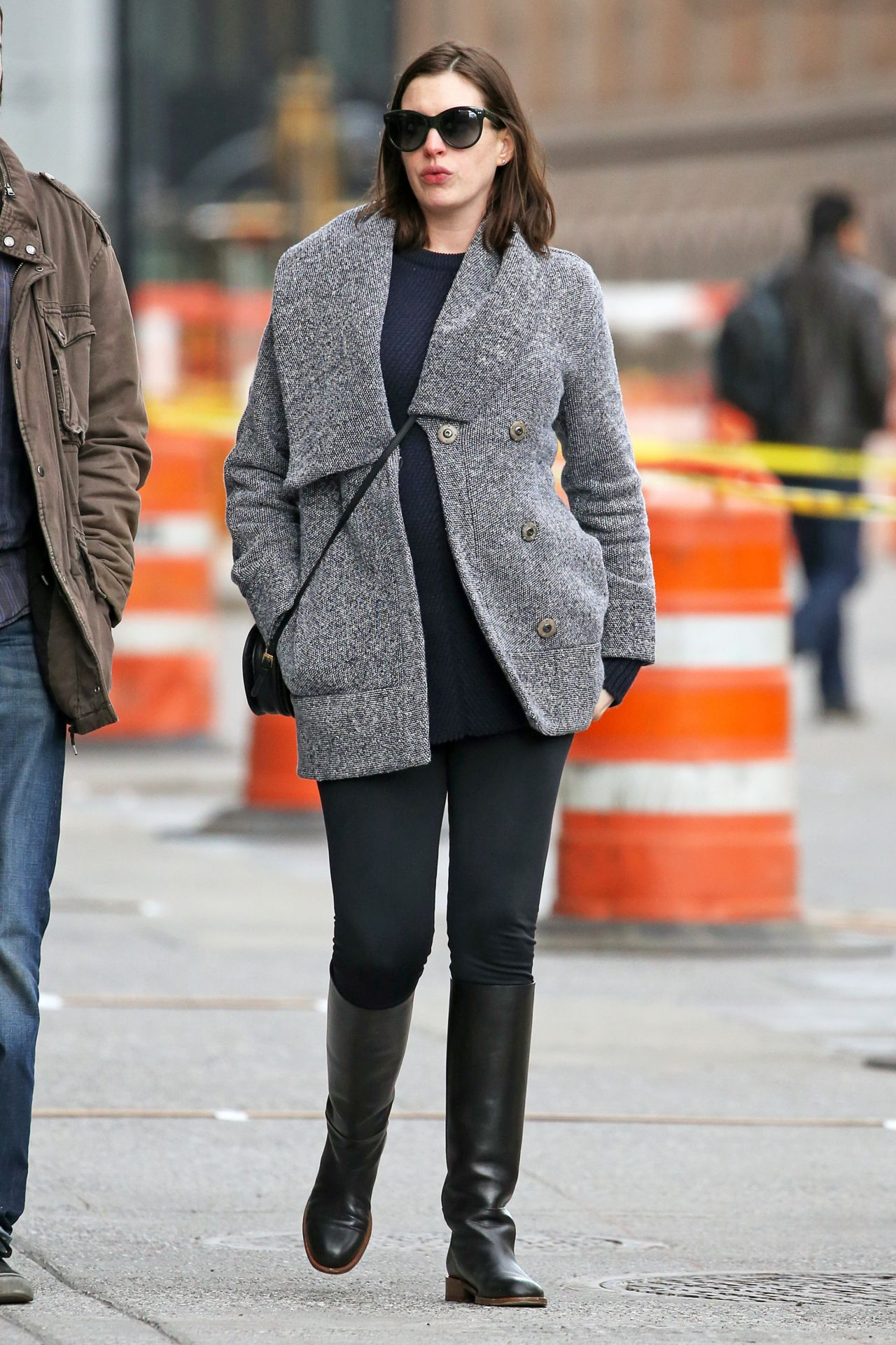 Anne Hathaway Street Fashion Out In New York City December 2015