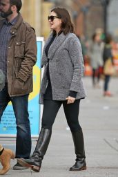 Anne Hathaway Street Fashion - Out in New York City, December 2015