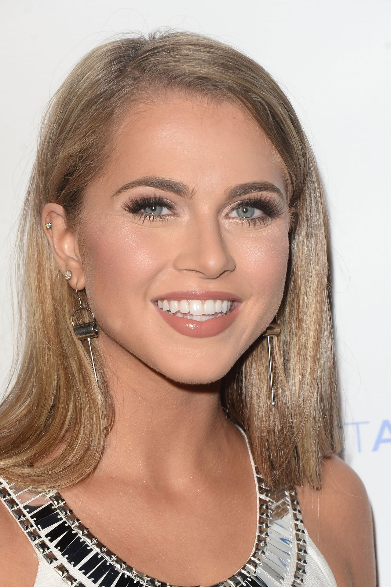 Anne Winters Junior Hollywood Radio And Television