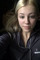 Ava Sambora - Social Media Pics December 2015
