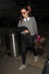 Bella Hadid Airport Style - LAX in LA, December 2015