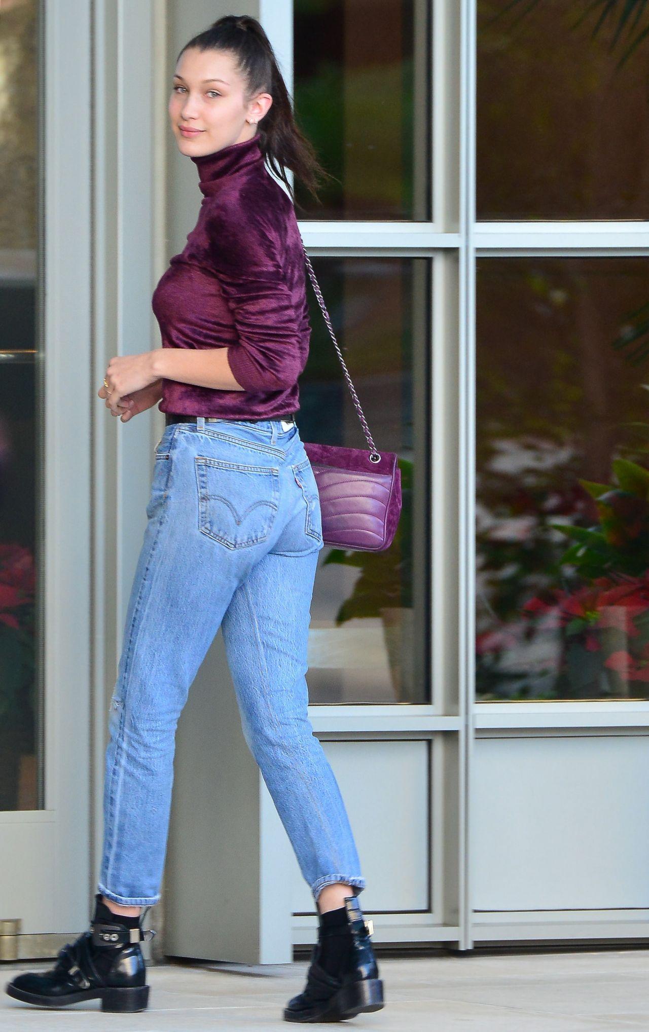 Bella Hadid Booty in J... Cate Blanchett