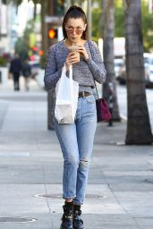 Bella Hadid in Ripped Jeans - Shopping in Los Angeles, 12/23/2015