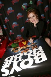 Bella Thorne - Planet Hollywood Times Square in New York City, NY, December 2015