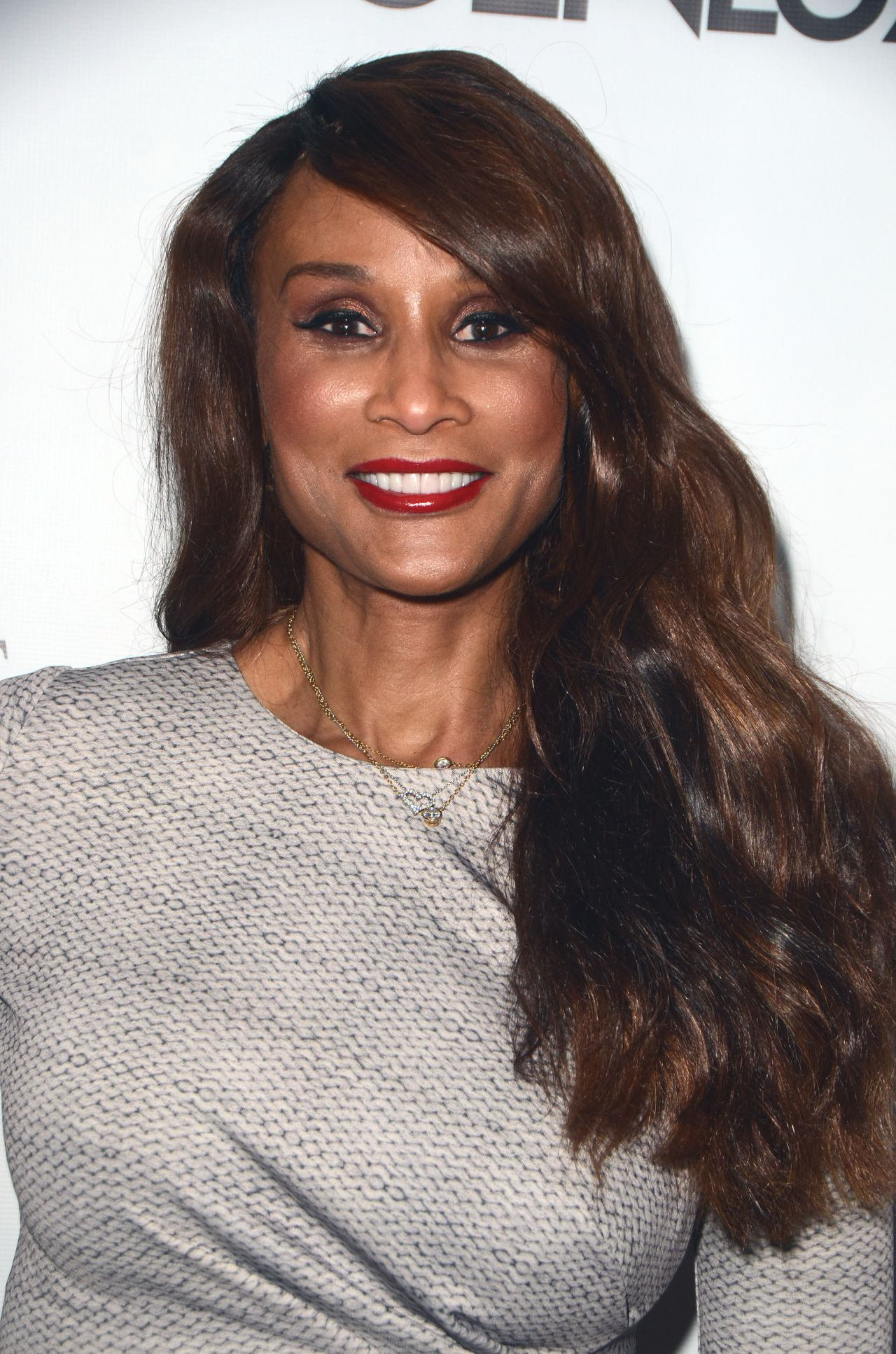 Beverly Johnson – Genlux Magazine Beverly Johnson Cover Issue Party ...