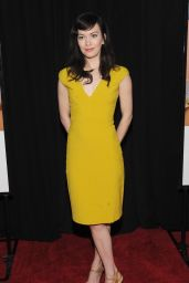 Britt Lowe – 'Sisters' Premiere at Ziegfeld Theater in New York