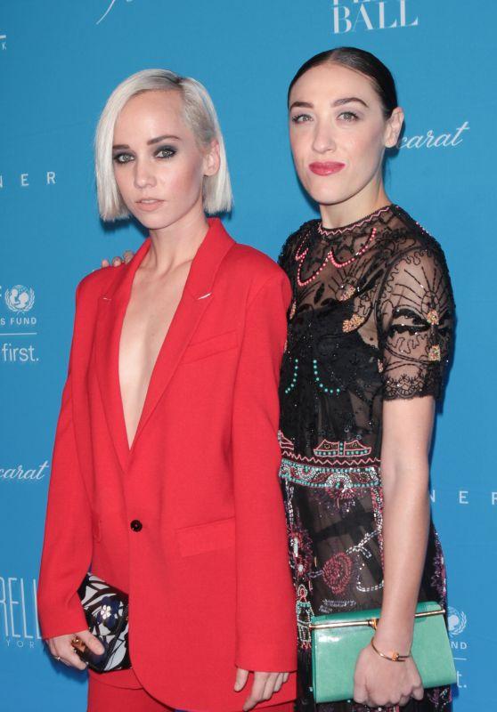 Caitlin Moe & Mia Moretti – 2015 UNICEF Snowflake Ball in New York City
