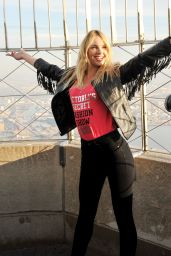 Candice Swanepoel - Visiting the Empire State Building in New York City, December 2015