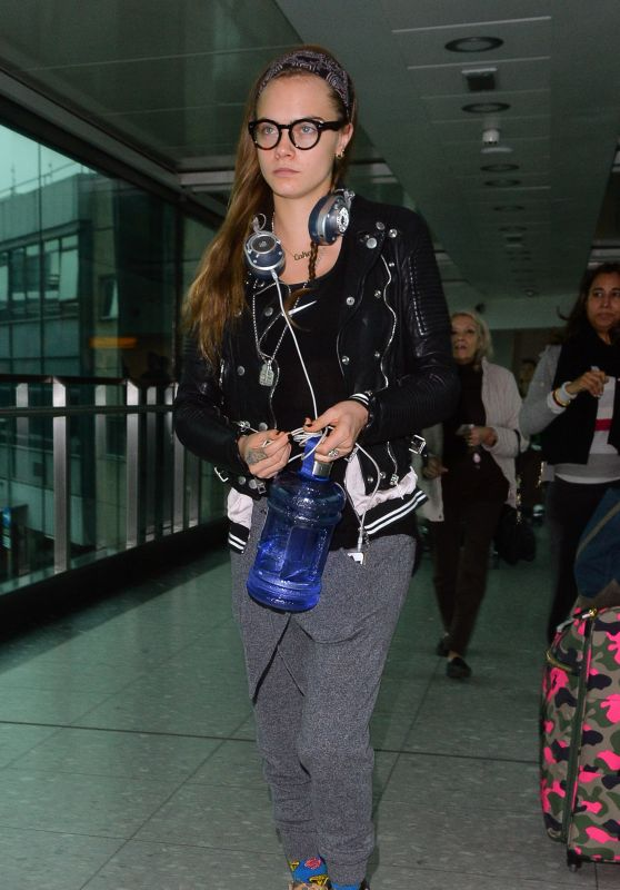 Cara Delevingne Airport Style - Heathrow in London, December 2015